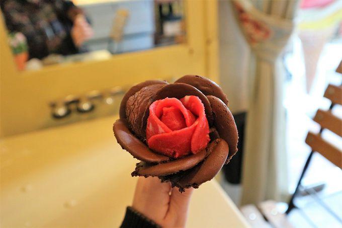 一瞬で作られるバラのジェラートが「かわいい」!