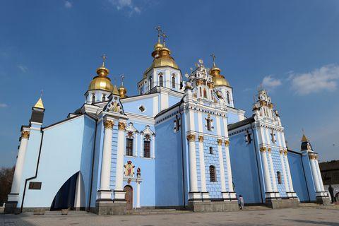 見惚れる美しさ!ウクライナの首都・キエフで壮麗な教会建築をめぐる