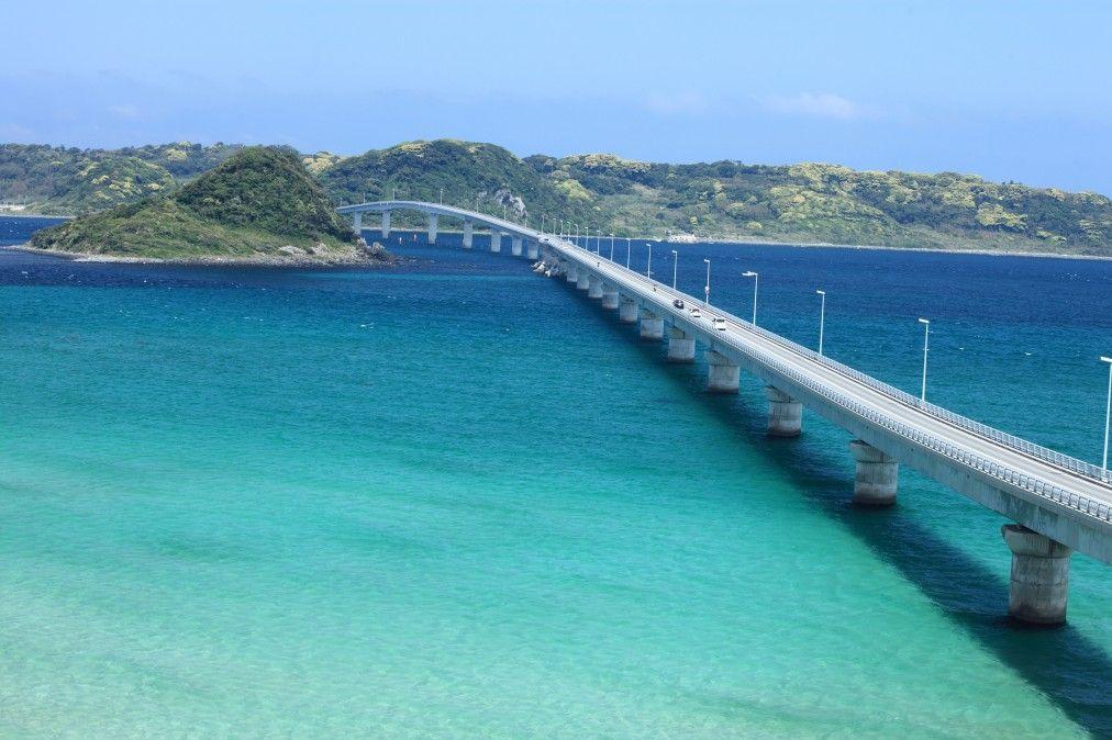 角島の入り口「角島大橋」海の上を走る絶景