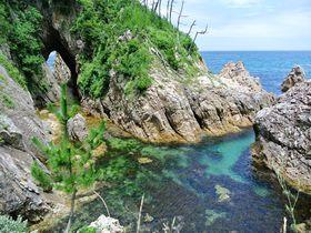 メジャースポットから穴場まで!鳥取浦富海岸・海水浴場4選|鳥取県|トラベルjp<たびねす>