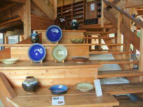 手仕事による器は必見!島根「出西窯」こだわりの陶器を見に行こう!|島根県|トラベルjp<たびねす>