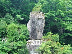 なんでそんな形なの!?島根「鬼の舌震」で自然が作り出した奇岩に驚愕|島根県|トラベルjp<たびねす>