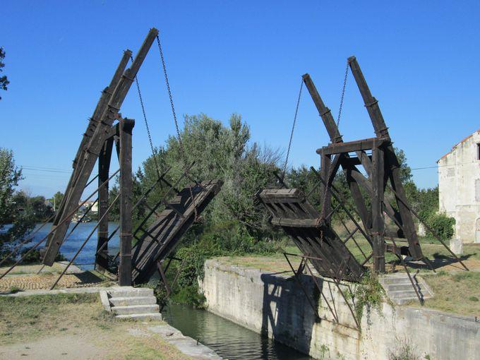 「アルルの跳ね橋」を見学しよう!