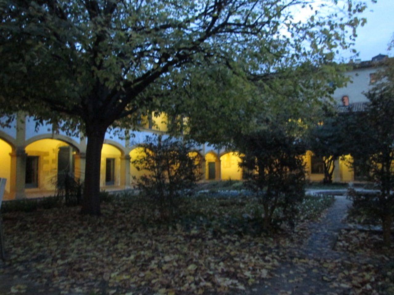 ゴッホが収容された病院「アルル市立病院」