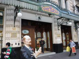 ブエノスアイレス最古のカフェ「カフェ・トルトーニ」で贅沢な休息を!