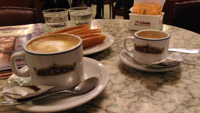 絶品のチュロスとコーヒーでほっと一息!
