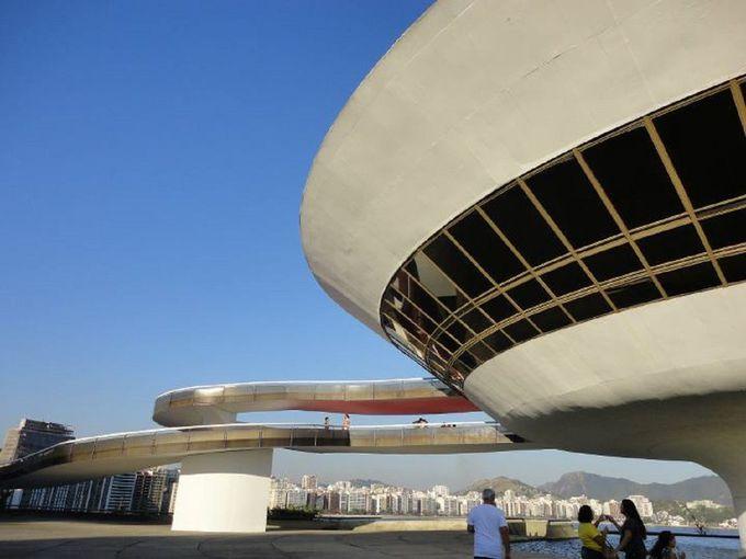 まさにUFO!?特徴的な建築