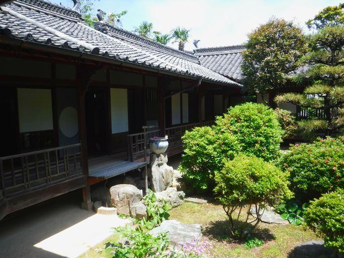製蝋で栄華を極めた豪邸「上芳我家住宅」