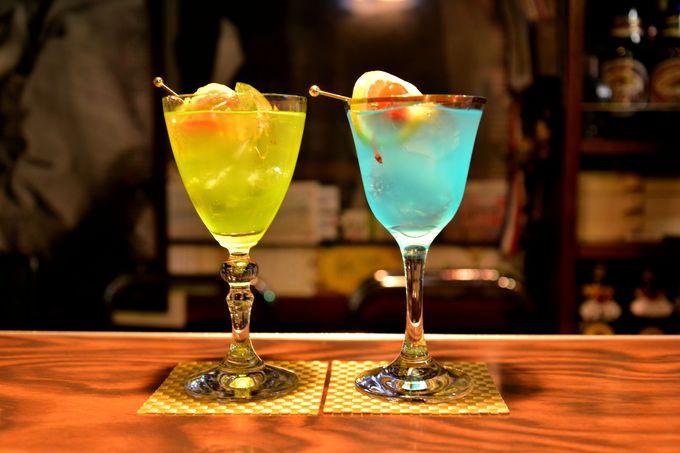 八戸横丁のシンボル的存在「洋酒喫茶プリンス」で蕪嶋神社復興カクテルを