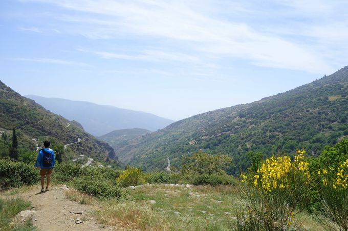 白い村々を巡るハイキングコース