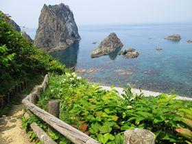 奇跡の透明度!北海道積丹町の絶景スポット「島武意海岸」|北海道|トラベルjp<たびねす>