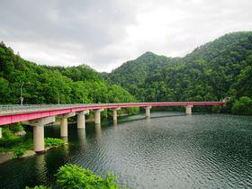 定山渓~小樽間の爽快ドライブ!「定山渓レイクライン」の絶景ルート|北海道|トラベルjp<たびねす>