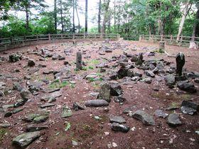 太古の遺跡を巡る!北海道余市町「フゴッペ洞窟」と「環状列石」|北海道|トラベルjp<たびねす>