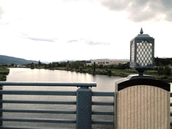 通称「リタブリッジ」!余市橋にはニッカウヰスキー1号ボトル