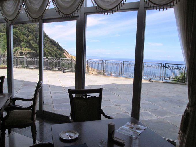 窓の外に広がる日本海!ホテル「ノイシュロス小樽」は絶景が魅力