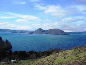湖にダイナミックな岩石も!北海道洞爺湖町の自然が作る絶景5選!|北海道|トラベルjp<たびねす>