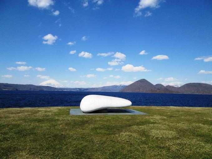 晴天時には蝦夷富士「羊蹄山」の姿も見える!「洞爺湖温泉街」