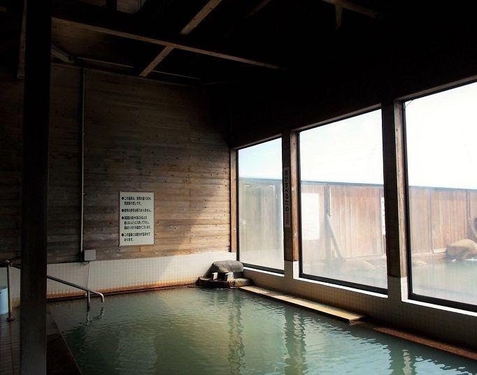 日本温泉協会お墨付き。100%源泉かけ流しの天然温泉。