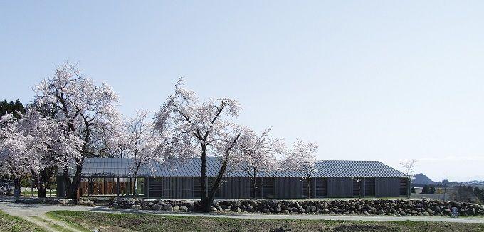最上川の流れに抱かれた「最上川美術館・真下慶治記念館」