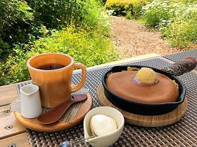 幸せのふわっふわパンケーキ!山形「38ガーデンカフェ」でミツバチ気分|山形県|トラベルjp<たびねす>