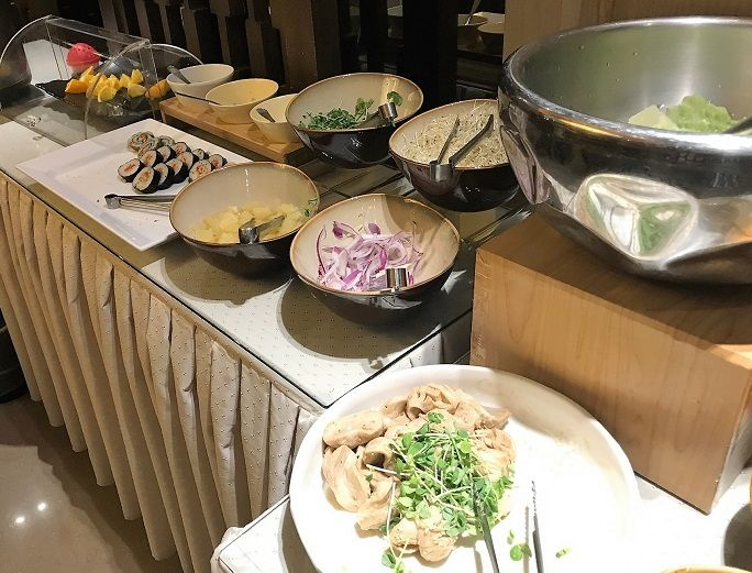 朝ご飯は台湾料理&パッションフルーツジュース