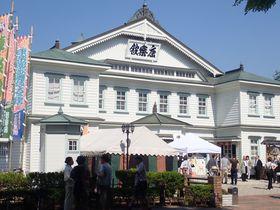 明治の芝居小屋、秋田県小坂町「康楽館」~日本最古級の劇場で観る東洋一の賑わい~|秋田県|トラベルjp<たびねす>
