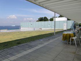 レストランからも館内からも海が見える「横須賀美術館」|神奈川県|トラベルjp<たびねす>
