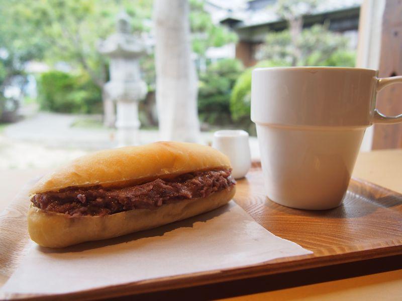 「小豆島」の新定番!?酒蔵が作る「モリクニベーカリー」のコッペパン