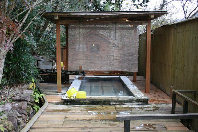 女性専用露天風呂はうれしい無料の岩盤浴付き