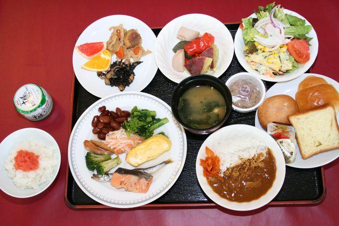 和洋食の品数が豊富なワンコイン朝食が魅力