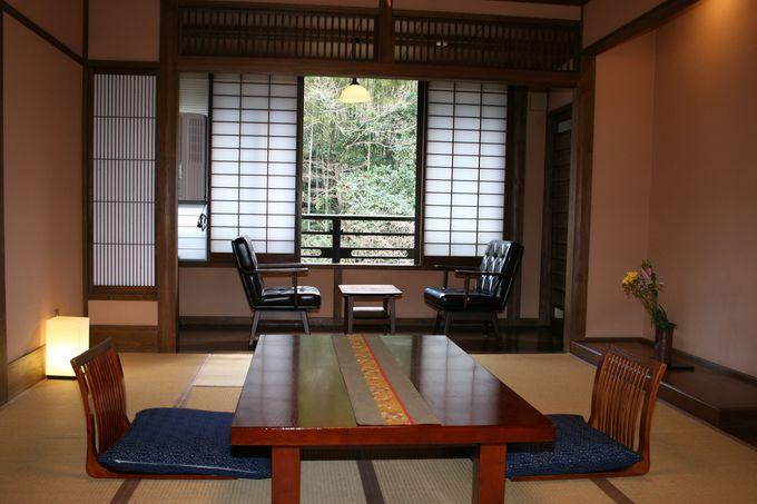 全室が川向きで窓からの光景が素晴らしい客室