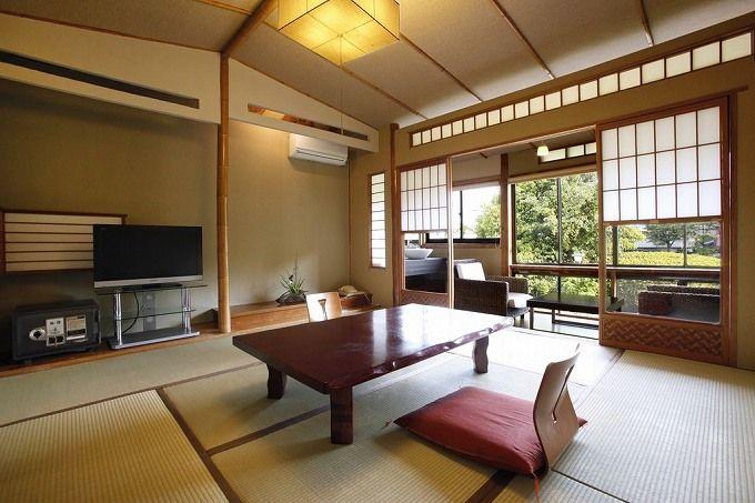 客室は露天風呂付きデザイナーズルームから、昔ながらの和室まで多種多彩!