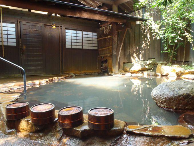 酸性泉が濃厚な老舗宿!黒川温泉「歴史の宿 御客屋」