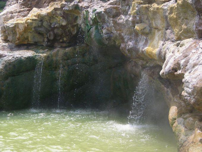 「東温泉」の源泉は全て自然湧出! 日本を代表する強酸性の名湯!