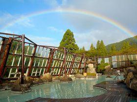 まるで温泉テーマパーク!鹿児島「霧島いわさきホテル」で白濁硫黄泉と秘湯情緒を満喫|鹿児島県|トラベルjp<たびねす>