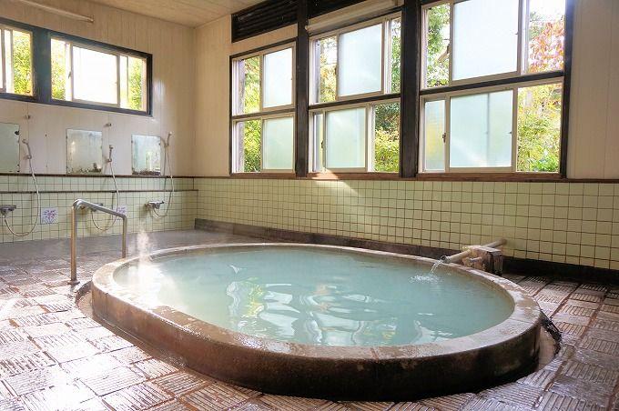 「湯の里温泉共同浴場」は地元に愛される共同湯。雲仙の下町情緒を堪能!