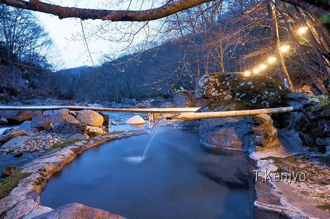 蒼く染まるマジックタイム!福島の秘湯・二岐温泉「柏屋」