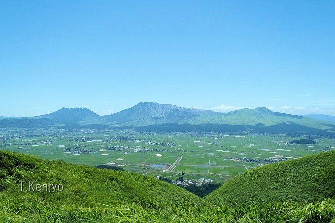 サッパリ風味のソフトと国立公園の絶景を一緒に楽しめる!「大観峰茶店」