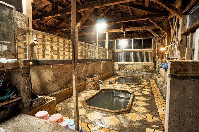 日没後がおすすめ。静寂の中での入浴は、深い安らぎの一時