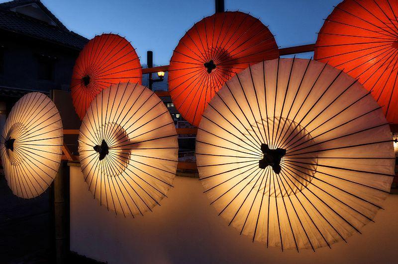 「百華百彩」は日没前の点灯直後から訪問しよう!