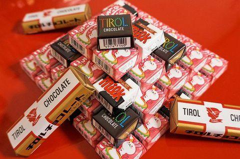 福岡「チロルチョコアウトレット」人気の秘密と購入のコツとは?