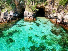 まるで楽園!エメラルド色に煌めく海と無人島「壱岐 辰の島」へ冒険に出かけよう|長崎県|トラベルjp<たびねす>