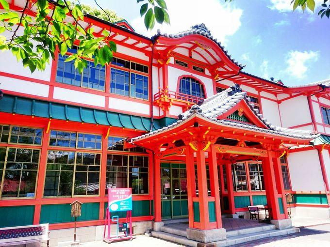 武雄温泉のシンボルは国指定重要文化財