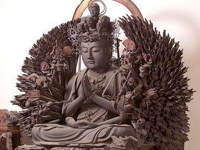 奈良王寺「達磨寺」392の手を持つ千手観音の圧倒的存在感!|奈良県|トラベルjp<たびねす>