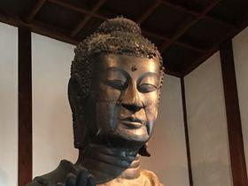 日本最年長1400歳!奈良・飛鳥寺の「飛鳥大仏」と眉目秀麗な「聖徳太子像」|奈良県|トラベルjp<たびねす>