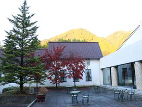 黒部ダム至近のホテル!「くろよんロイヤルホテル」の温泉でくつろぎタイムを|長野県|トラベルjp<たびねす>