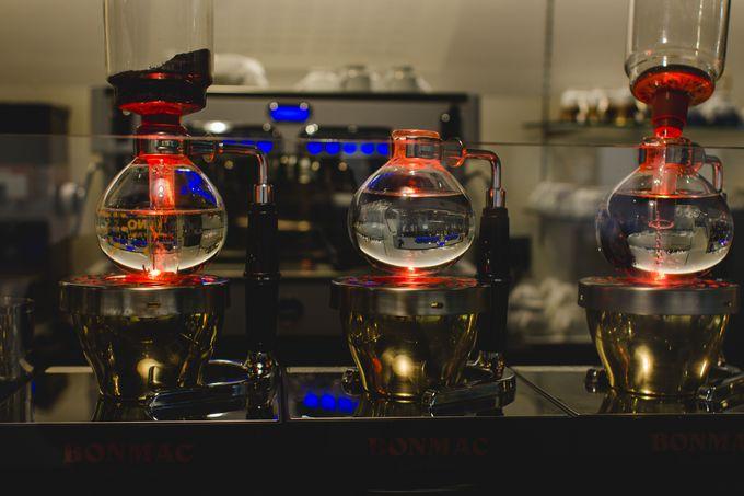 老舗喫茶店の光サイフォンコーヒー