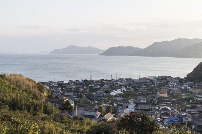 緑あふれる山の中で海を望むという絶好のロケーション