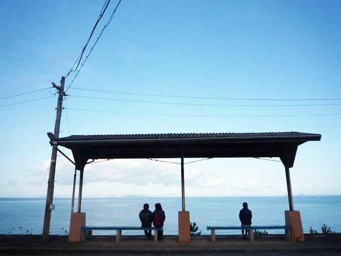 列車に揺られて着いたのは…まさに「思わず降りてしまう」駅!