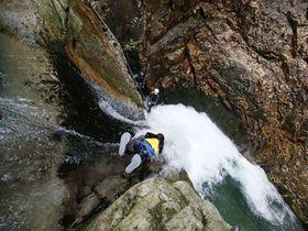 20mの滝を滑降!絶叫必至「プレミアムフォックス・みなかみキャニオニング」